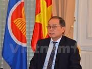 Embajador vietnamita recibe insignia de localidad francesa