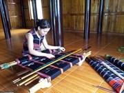 Brocado de minoría Ta Oi reconocido patrimonio inmaterial de Vietnam