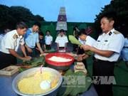 Felicitan a pobladores y militares de Truong Sa en ocasión del Tet