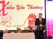 Vietnamitas en extranjero saludan Año Nuevo Lunar