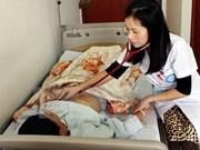 Carpeta personal de salud ayudará a aliviar sobrecarga de hospitales vietnamitas