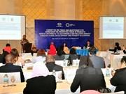 Altos funcionarios de APEC continúan debates sobre diversos temas
