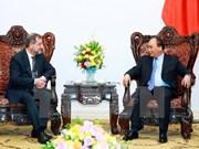 Premier vietnamita recibe a embajadores de Nueva Zelanda y Eslovenia