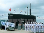 Premier de Vietnam asiste a izamiento de bandera en submarinos Kilo