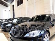 Laos subasta automóviles de altos funcionarios