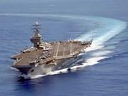 Ministros de Filipinas visitan el portaaviones estadounidense Carl Vinson