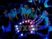 Estudiantes vietnamitas participan en programa Hora del Planeta