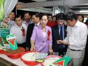 Nutrida participación en Feria Comercial de Delta de Río Rojo – Ninh Binh