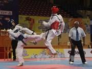 Taekwondista vietnamita gana medalla de oro en cita regional