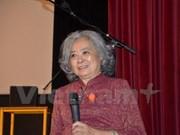 Presentan en Francia libro biográfico sobre víctima vietnamita de Agente Naranja