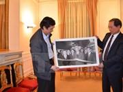 VNA ofrece valiosas fotos a exposición sobre historia vietnamita en Francia