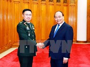 Premier de Vietnam recibe a comandante de fuerzas de defensa de ejército tailandés