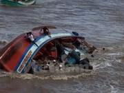 Premier vietnamita insta a intensificar labores de rescate tras naufragio en Bac Lieu