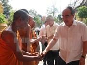 Felicita dirigente vietnamita a comunidad de khmer por su fiesta tradicional