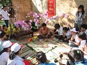 Amplia presencia de artesanos extranjeros en festival de oficios tradicionales de Hue
