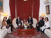 Conceden Medalla de la Amistad a ex-embajador argentino en Vietnam