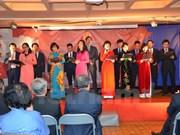 Vietnamitas en Reino Unido festejan Día de Reunificación Nacional