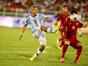 Selección vietnamita de fútbol registra avances tras partido amistoso con Argentina