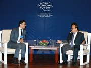 Premier de Vietnam continúa intensa agenda de encuentros al margen del FEM