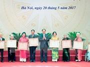 Honran a personas con aportes relevantes al desarrollo de literatura y artes de Vietnam