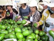 Inauguran en Vietnam festival de frutas de provincias sureñas