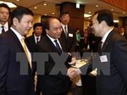 Premier de Vietnam se reúne con ejecutivos de empresas japonesas de tecnología informática
