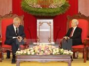 Líderes vietnamitas reciben a presidente de República Checa