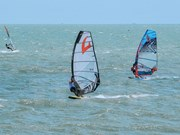 Compiten atletas de 30 países en campeonato mundial de windsurf en Vietnam