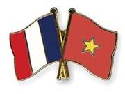 Delegación de Academia Nacional de Políticas Ho Chi Minh efectúa visita a Francia