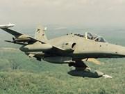 Encuentran restos del avión de combate malayo desaparecido