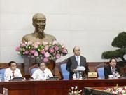 Exige premier a la prensa vietnamita apoyar el mejoramiento de ambiente de inversión