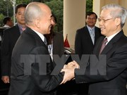 Dirigentes vietnamitas y camboyanos intercambian felicitaciones por lazos diplomáticos