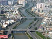 Ciudad Ho Chi Minh analiza situación socioeconómica de primer semestre de 2017