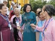 Vietnam presta atención a la vida de personas con méritos revolucionarios