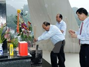 Premier vietnamita rinde homenaje a mártires en provincia norteña