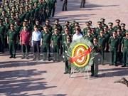 Ministro de Defensa de Vietnam rinde homenaje a mártires nacionales