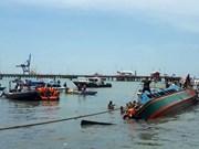 Mueren ocho personas al volcarse un barco en Indonesia