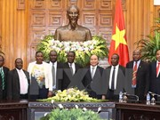 Premier vietnamita desea fortalecer nexos comerciales con Tanzania