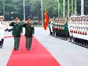 Visita a Vietnam de jefe militar laosiano busca fortalecer lazos de amistad