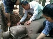 Camboya: Gran estatua antigua descubierta en complejo de Angkor