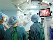 Vietnam realiza con éxito primera operación quirúrgica hepática con robot