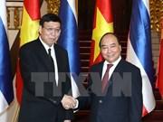Premier Xuan Phuc propone equilibrar balanza comercial Vietnam-Tailandia