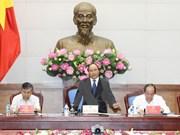 Premier insta a acelerar reforma administrativa para el desarrollo económico de Vietnam
