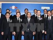 Premier vietnamita dialoga con representantes de empresas tailandesas