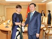 Vicepremier vietnamita recibe a embajadores de países europeos