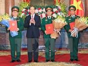 Presidente vietnamita dirige acto de ascensos a oficiales militares
