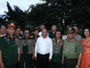 Premier vietnamita recorre por ciudad portuaria de Hai Phong