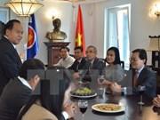 Embajador de Laos en Ginebra saluda Día Nacional de Vietnam