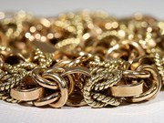 Procesan en Vietnam a seis sujetos por contrabando de oro