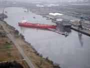 Cinco personas desparecidas en colisión de barcos en costa de Singapur